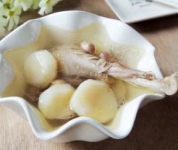 荸荠花生炖鸡汤