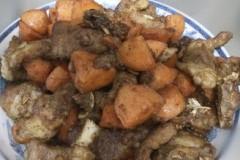 胡萝卜焖排骨