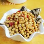 黄豆焖野生小鲫鱼