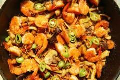 黑椒汁蘑菇什锦焖锅