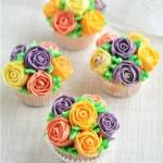 花朵杯子小蛋糕