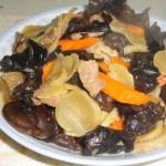 木耳土豆干炒肉