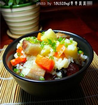 土豆臘肉燜飯