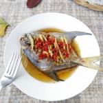 剁椒榨菜蒸鲳鱼