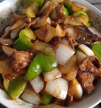 洋葱青椒炒肉片
