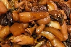 酸菜焖猪大肠