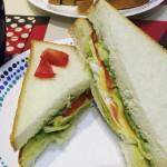 牛油果吞拿鱼三明治