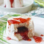 草莓流心松糕