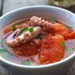 番茄墨魚湯