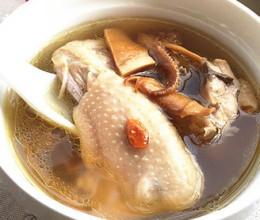 鱿鱼干煲老鸡汤
