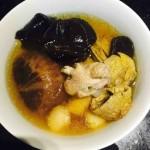 姬松茸菌菇鸡汤