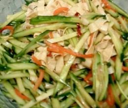 黄瓜拌腐皮
