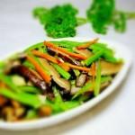 芹菜香菇肉片