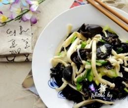 青蒜炒菌菇