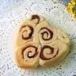 紫薯卷心形面包