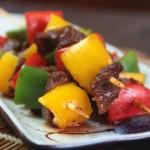 黑椒風味烤什蔬牛肉串