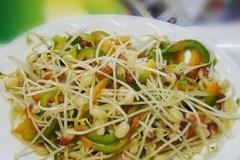 红豆芽炒青椒