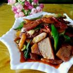 腊肠土豆青椒块