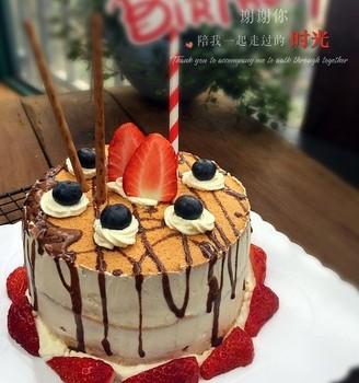 草莓淋面蛋糕