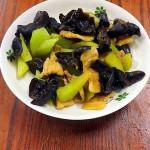 莴苣木耳炒肉片