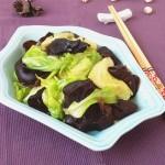 黑木耳炒圆白菜