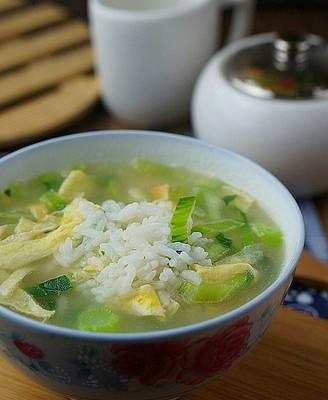 蛋皮青菜泡饭
