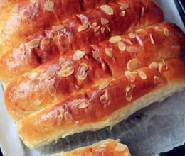 杏仁炼奶排包