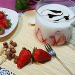草莓大果粒酸奶