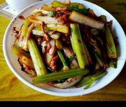 黄豆酱炒肉丝芹菜