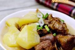 半片鸭炖土豆