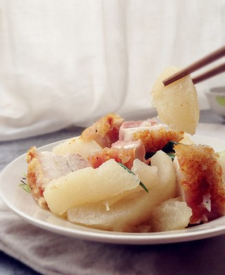 柚皮焖烧腩肉