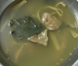 菜干煲猪肺