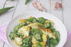 黄秋葵炒荷包蛋