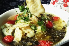酸菜鱼片汤