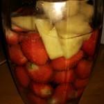 草莓菠萝洒