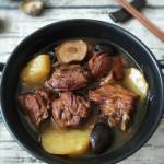 鸭肉炖香菇土豆