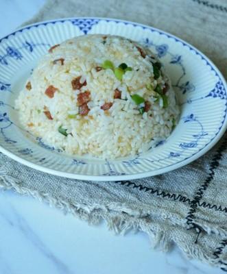 蒜苔香肠炒饭