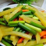蠔油蒜苔炒土豆