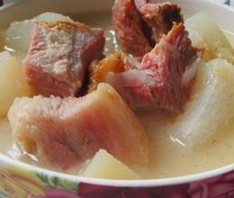 白萝卜煲腊肉