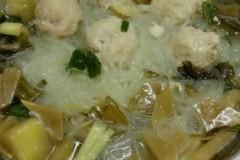 酸菜肉丸粉丝汤