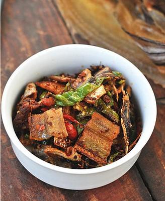 香辣双椒豆豉焖鳗鱼干