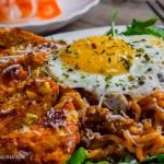 雞胸脯肉玉米漢堡 + 韓式辣雞面