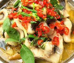 酸菜煮生鱼