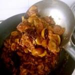 飘香蘑菇卤肉饭