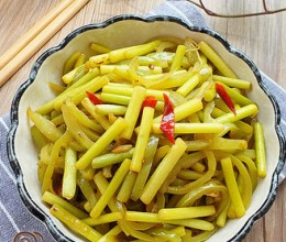 辣椒炒蒜苔