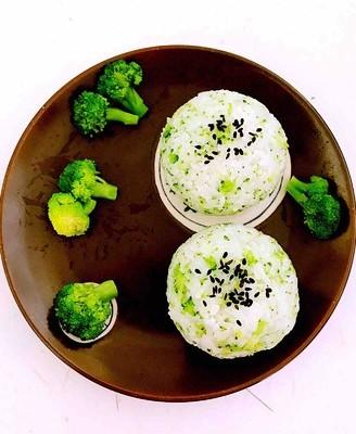西蓝花虾仁饭团