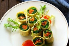 蛋皮菠菜卷