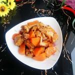 胡萝卜香菇烧翅根