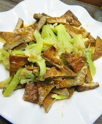 花菜烧黑豆腐