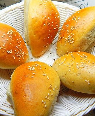 薏仁红豆芝麻面包